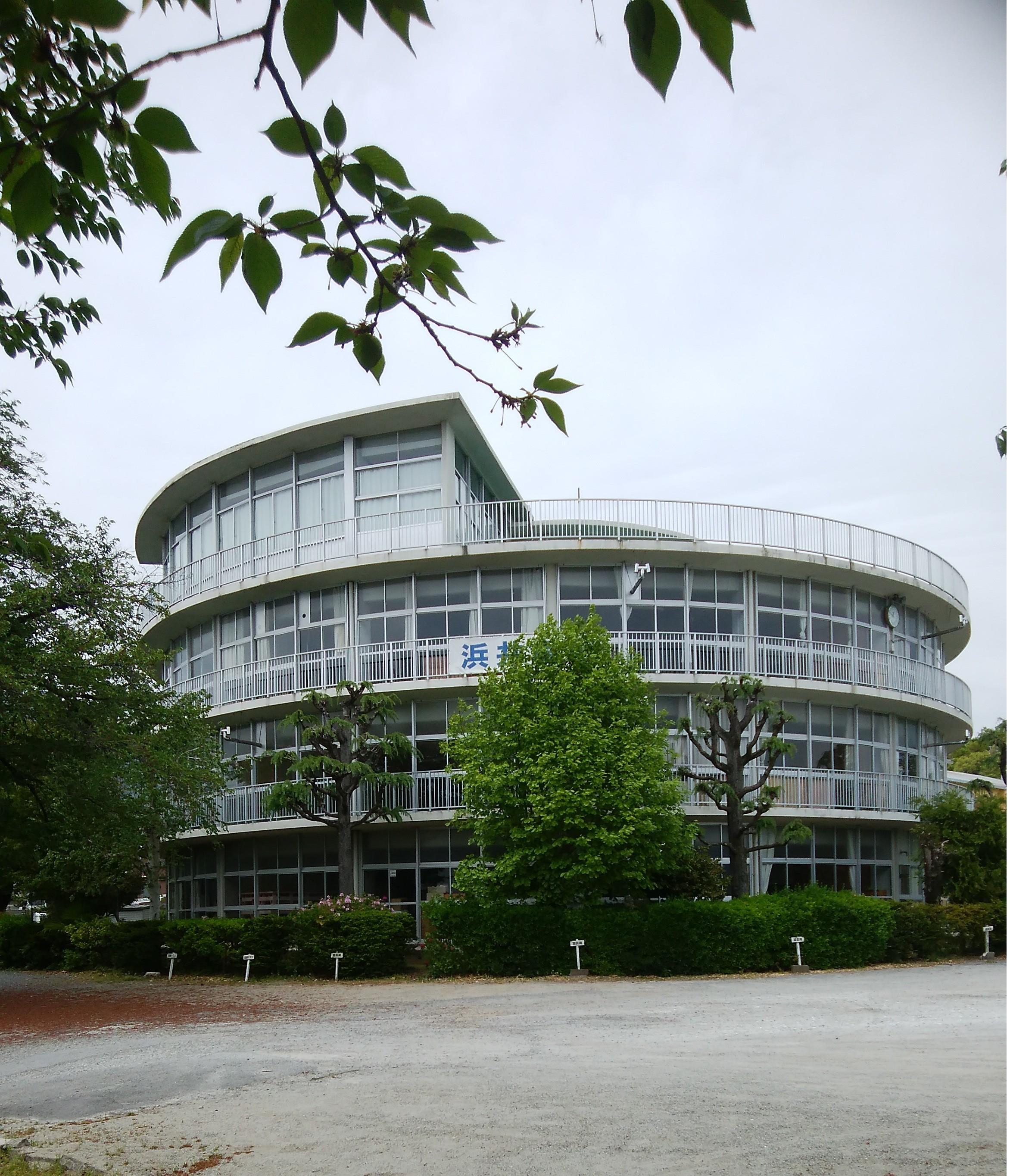 飯田市 丘の上の小学校