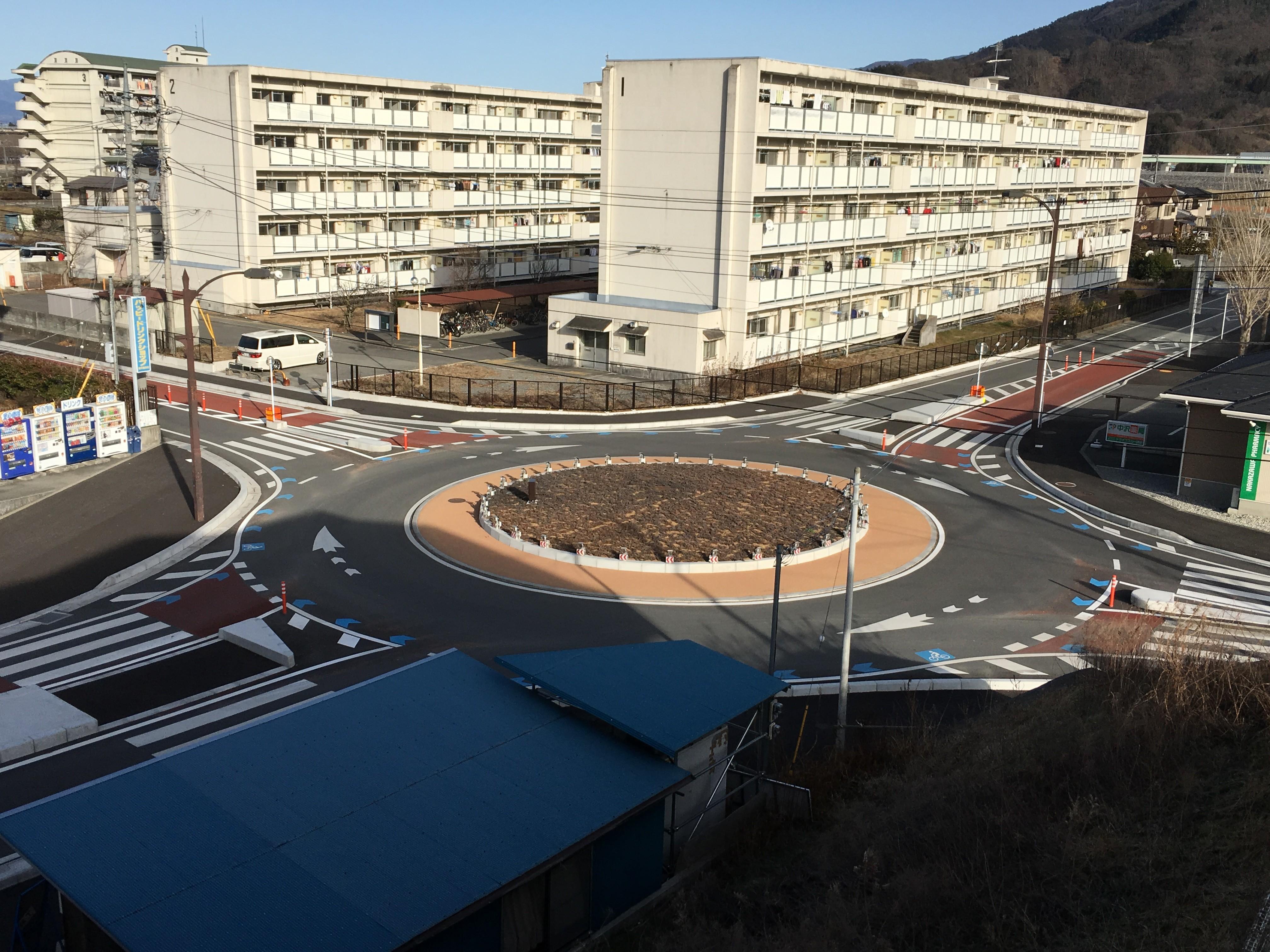 不思議な道路 〜山梨県富士川町〜